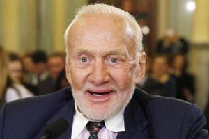 Buzz Aldrin dirawat di Selandia Baru