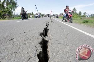 Jalan rusak Sumatera di Pematangsiantar rawan kecelakaan
