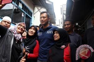 Agus Harimurti diskusi dengan netizen dan blogger
