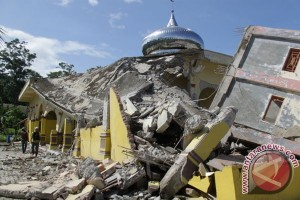 Masjid Jamik Rubuh Akibat Gempa