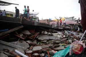 Presiden tinjau masjid yang rusak akibat gempa di Aceh