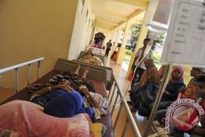 Korban luka gempa masih penuhi RS Pidie