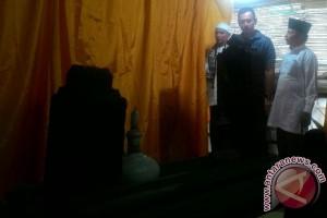 Agus Yudhoyono ziarah makam Pangeran Tubagus Angke