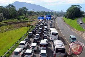 Kendaraan arah Puncak Bogor masih mendominasi