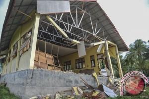 Satu rumah roboh akibat gempa Tasikmalaya
