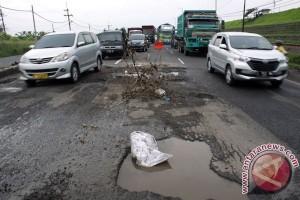 463 km jalan di Garut rusak