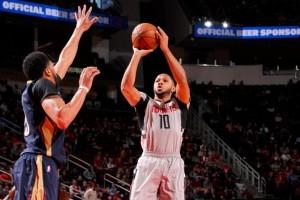Rockets pecahkan rekor tembakan tiga angka terbanyak