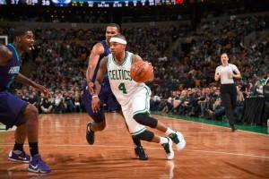 Isaiah Thomas pimpin Celtics bekuk Hornets 96-88