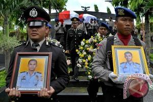 Dua korban pesawat Polri Skytruck dimakamkan di Semarang