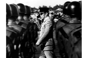 ANTARA Doeloe : Begini suasana rapat raksasa Tri Komando Rakjat untuk bebaskan Irian Barat