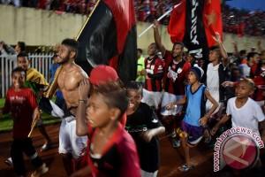Bungkam PSM 4-2, Persipura rebut gelar juara