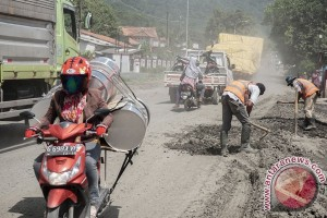 Perbaikan jalan nasional Ajibarang -Brebes tertunda