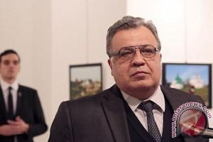 Pembunuh dubes Karlov; antara pendiam dan kecewa Erdogan dekat Rusia