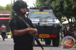 10 personel Brimob Jatim bersiaga di Lamongan