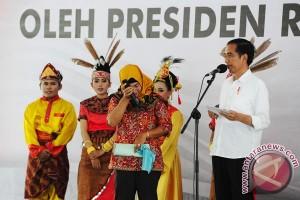 Presiden Serahkan Sertifikat Tanah
