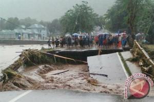 Bima dilanda banjir pada Minggu