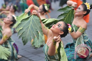 Masyarakat Denpasar antusias melepas matahari 2016