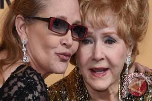 Carrie Fisher, Debbie Reynolds dipuji dalam upacara peringatan