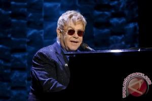 Para selebriti meriahkan ulang tahun ke-70 Elton John