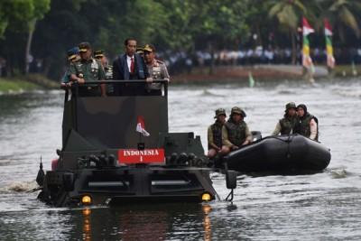Presiden puji kualitas Panser Anoa Amfibi