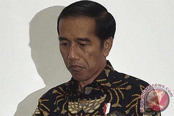 Pemerintah bagikan Kartu Indonesia Pintar kepada anak yatim