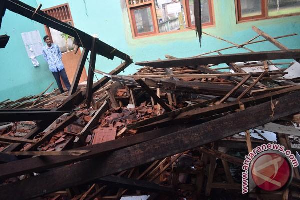 Tujuh sekolah di Manggarai Timur diterjang badai