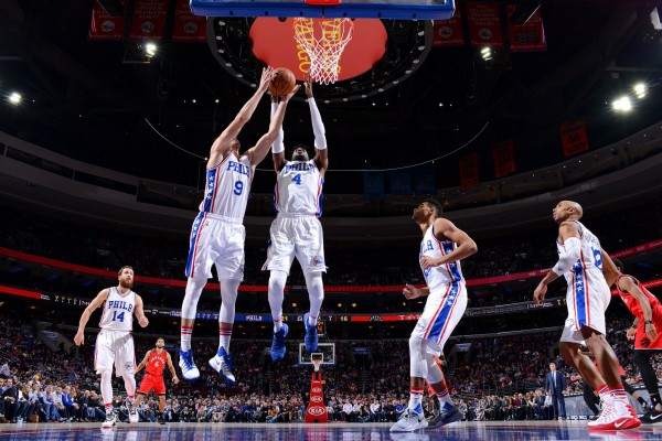 Sixers jegal Raptors 94-89