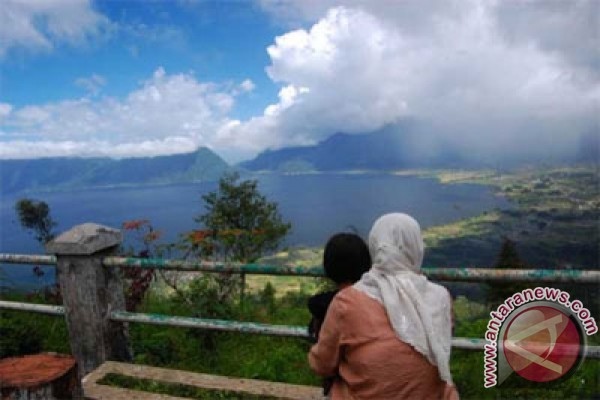 Lake Maninjau favorite tourist destination