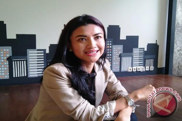 Hamil, Tina Talisa Bawa Bekal Makanan Sendiri Saat Pandu Debat