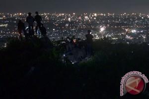 Pengantian Tahun Di Gunung Hawu