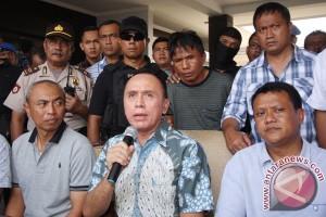 Tersangaka Perampokan Pulomas Dibawa Ke Jakarta