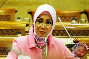 Kartini dalam politik, Okky Asokawati: berpolitik secara elegan