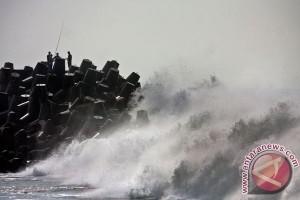 Nelayan Makassar sulit melaut  dalam dua minggu terakhir