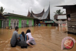 Kabupaten Solok dilanda banjir hingga satu meter