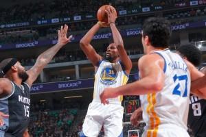 Cavaliers-Warriors nyaman di puncak klasemen wilayah masing-masing