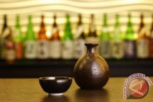 Keio Plaza Hotel Tokyo luncurkan tur wisata ke pabrik sake menggunakan limousine plus supir berbahasa Inggris