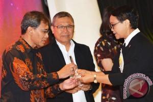 ANTARA Raih Adam Malik Award