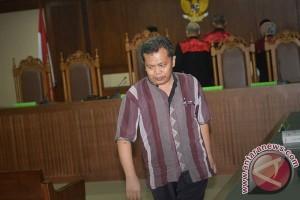 Panitera PN Jakpus Dituntut Hukuman 7,5 Tahun