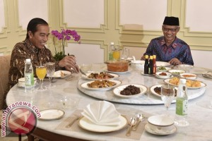 President Jokowi discusses social justice with Islamic leader Haedar