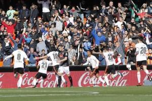 Valencia akhiri puasa kemenangan, atasi Espanyol 2-1