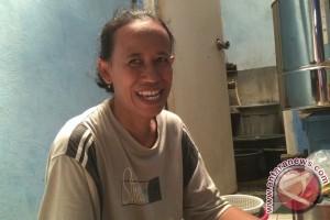 Nurjanah, pedagang nasi uduk yang sering disebut Sandiaga Uno