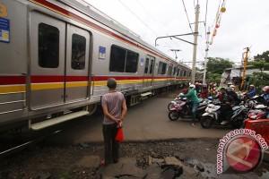 47 perlintasan kereta di Banten belum berpalang pintu