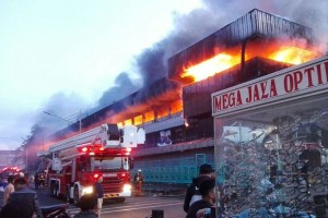Kebakaran Pasar Senen berawal dari lantai satu