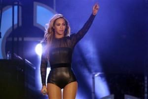 Beyonce kenakan kimono Rp290 juta saat nonton basket