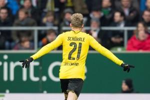 Dortmund atasi 10 pemain Bremen 2-1