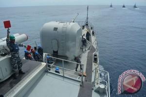 Koarmatim uji tempur kapal perang buatan PAL