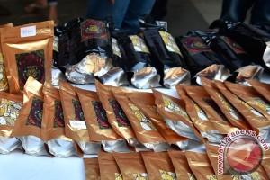 Polrestro Jaksel tangkap mahasiswa jual tembakau gorilla