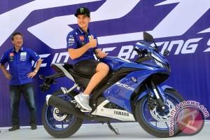Vinales jajal Yamaha R15 terbaru di Sirkuit Sentul (Video)