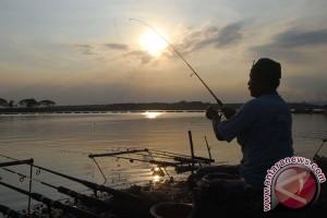 Minat wisata mancing di Maluku Utara tinggi