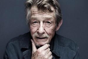 Aktor veteran Inggris John Hurt tutup usia